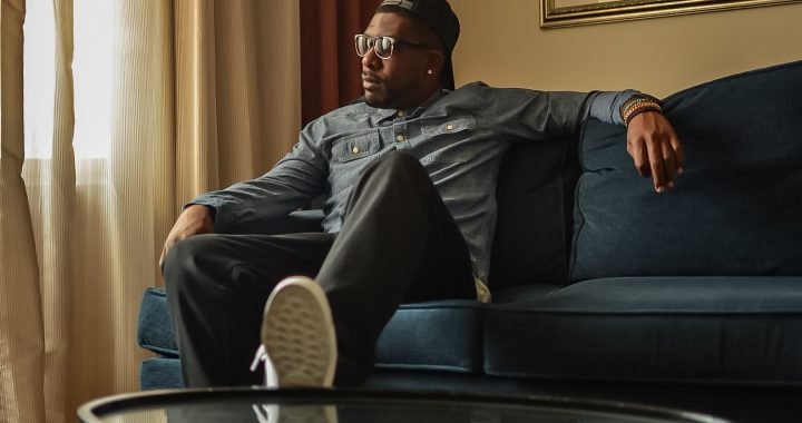 An introduction to Jacksonville-based singer-songwriter Ronnie Dozier